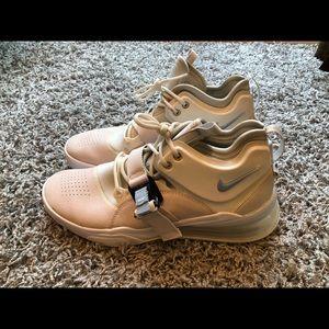 """Nike Air Force 270 """"Phantom"""" Size 11"""